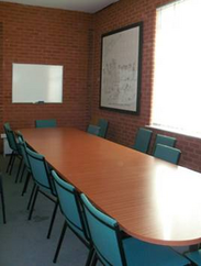 Photo of the small meeting room at CiC@74